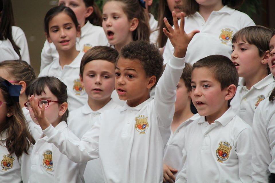 Coro Intergeneracional Mayo 2019 Centro Comercial Morea 1